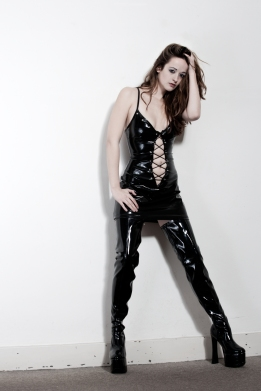 6976664 Girl with latex